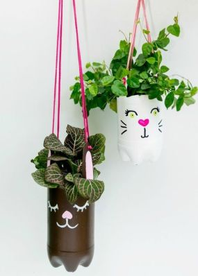 50 Ways to Reuse Plastic Bottles to Cute Planters Ideas 45