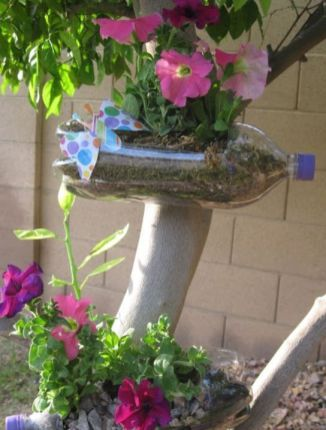 50 Ways to Reuse Plastic Bottles to Cute Planters Ideas 48
