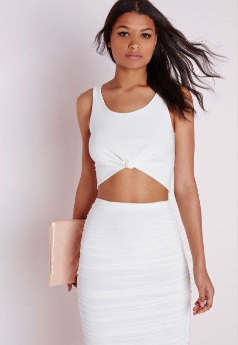 50 Ways to Wear White Sleeveless Top Ideas 38