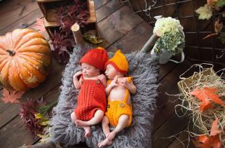 100 Cute Twins New Born Photography You Can Copy 100