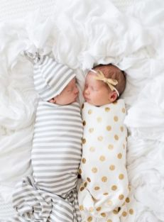 100 Cute Twins New Born Photography You Can Copy 15 1