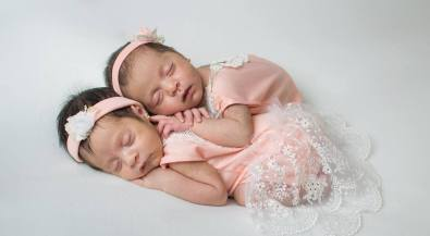 100 Cute Twins New Born Photography You Can Copy 28