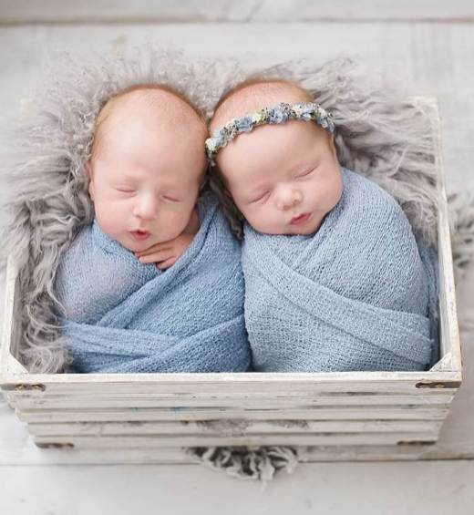 100 Cute Twins New Born Photography You Can Copy 30