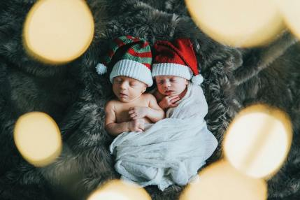 100 Cute Twins New Born Photography You Can Copy 34