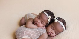 100 Cute Twins New Born Photography You Can Copy 36