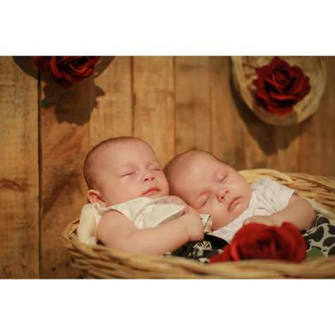 100 Cute Twins New Born Photography You Can Copy 43 1