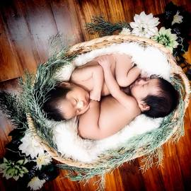100 Cute Twins New Born Photography You Can Copy 46
