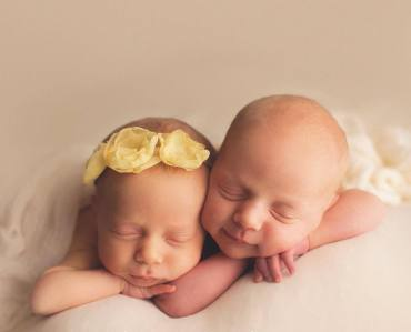 100 Cute Twins New Born Photography You Can Copy 49