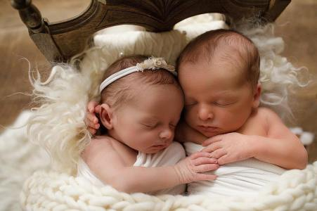 100 Cute Twins New Born Photography You Can Copy 6