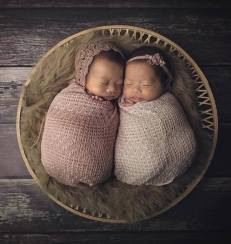 100 Cute Twins New Born Photography You Can Copy 60