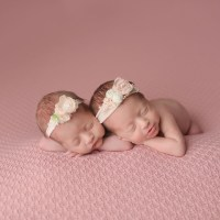 100 Cute Twins New Born Photography You Can Copy 92