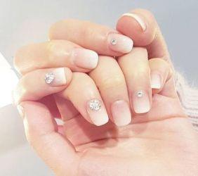 30 Glam Wedding Nail Art for Bride Ideas 25