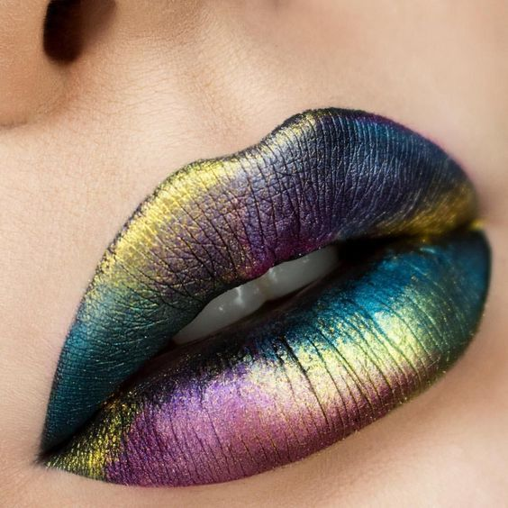 30 Holographic Lips Ideas 6