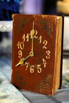 30 How to Reuse Old Book Ideas 12