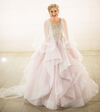 30 Soft Color Look Bridal Dresses Ideas 13