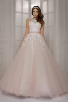 30 Soft Color Look Bridal Dresses Ideas 20