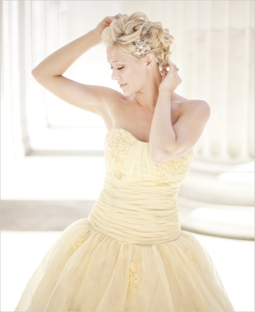 30 Soft Color Look Bridal Dresses Ideas 27