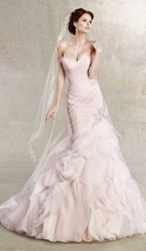 30 Soft Color Look Bridal Dresses Ideas 31