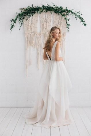 30 Soft Color Look Bridal Dresses Ideas 36
