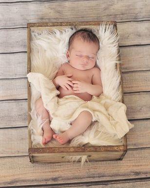 40 Adorable Newborn Baby Boy Photos Ideas 4