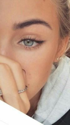 40 Cat Eye Makeup Ideas 14