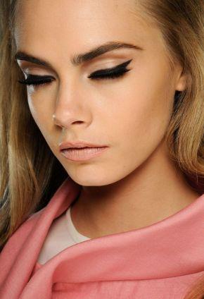 40 Cat Eye Makeup Ideas 18