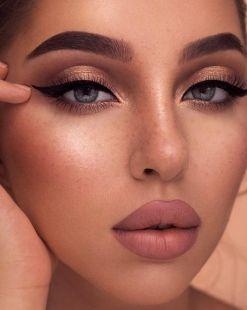 40 Cat Eye Makeup Ideas 26
