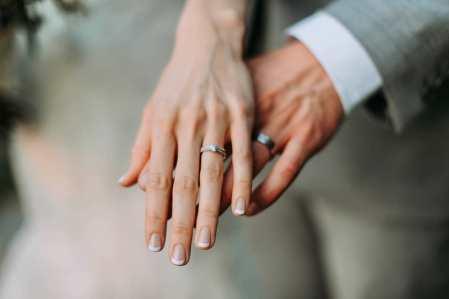 40 Elegant Look Bridal Nail Art Ideas 27