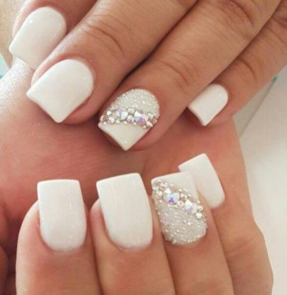 40 Elegant Look Bridal Nail Art Ideas 3