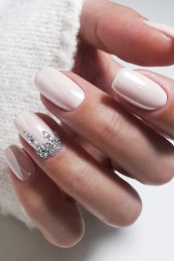 40 Elegant Look Bridal Nail Art Ideas 7