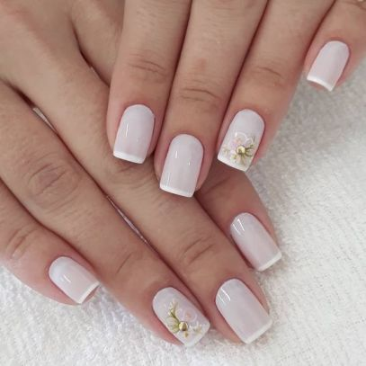40 Elegant Look Bridal Nail Art Ideas 9