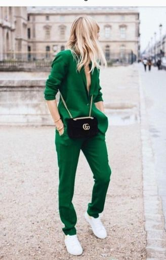 40 Fashionable Green Outfits Ideas 18