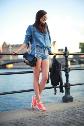 40 How to Wear Neon Shoes Ideas 18