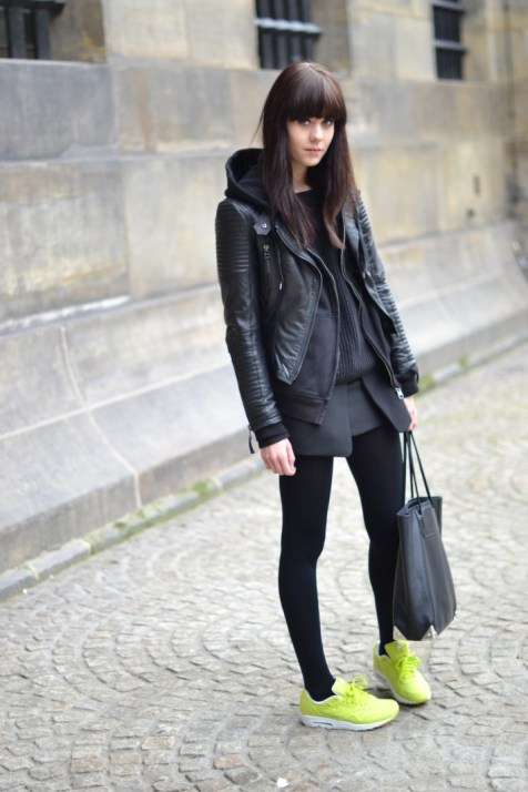 40 How to Wear Neon Shoes Ideas 23