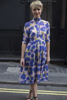 40 How to Wear Tea Lengh Dresses Street Style Ideas 20