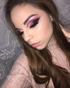 40 Night Party Makeup Look You Should Try 11