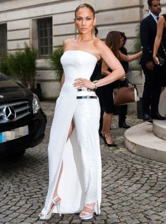 40 Ways to Look Stylish With White Heels Ideas 37