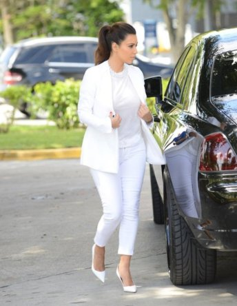 40 Ways to Look Stylish With White Heels Ideas 39
