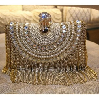 50 Chic Clutch Party Ideas 18