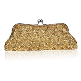 50 Chic Clutch Party Ideas 33