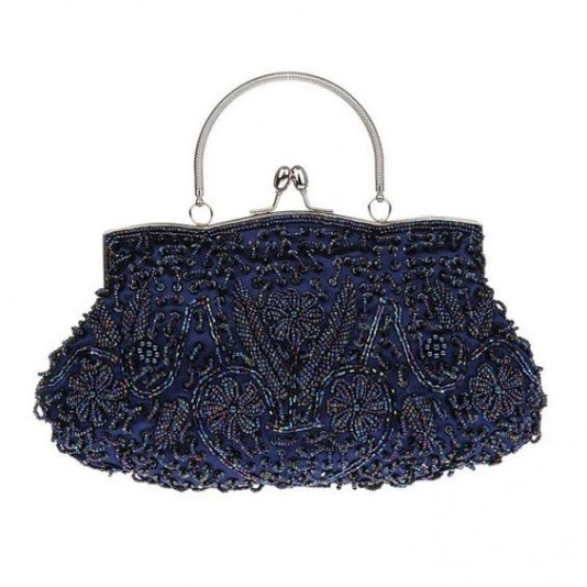50 Chic Clutch Party Ideas 35