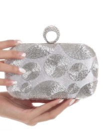 50 Chic Clutch Party Ideas 47