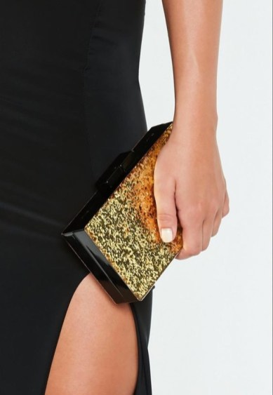 50 Chic Clutch Party Ideas 54