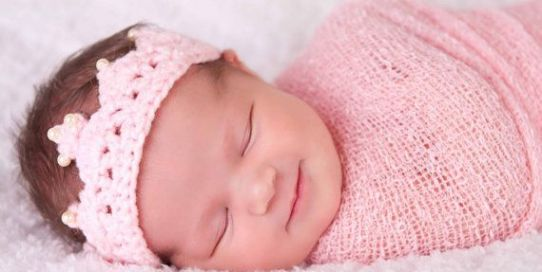 50 Cute Newborn Photos for Baby Girl Ideas 11