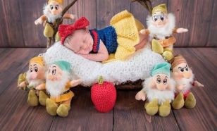 50 Cute Newborn Photos for Baby Girl Ideas 13