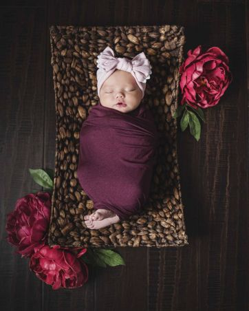50 Cute Newborn Photos for Baby Girl Ideas 23