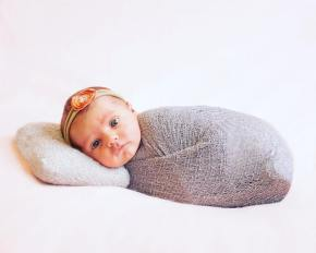 50 Cute Newborn Photos for Baby Girl Ideas 25