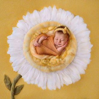 50 Cute Newborn Photos for Baby Girl Ideas 26