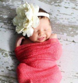 50 Cute Newborn Photos for Baby Girl Ideas 29