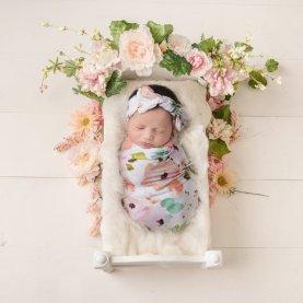 50 Cute Newborn Photos for Baby Girl Ideas 43